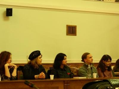 voluntarii Grupului de Acţiune pentru Roşia Montană (GARM) Bihor, la conferinţa lui Nicolae Dărămuş