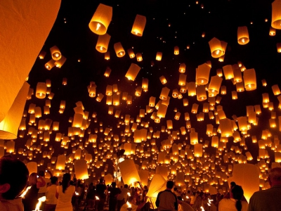 floating-lanterns-thailand_46134_990x742