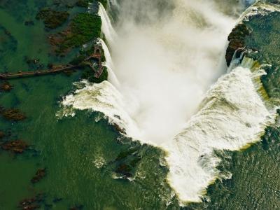 iguazu-falls-brazil-argentina_46571_990x742