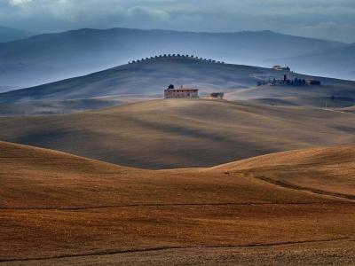 landscape-tuscany-italy_46136_990x742