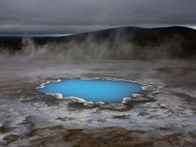 silica-hot-water-pond-iceland_46140_990x742