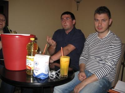 Vuscan (dreapta) cu premiile sale