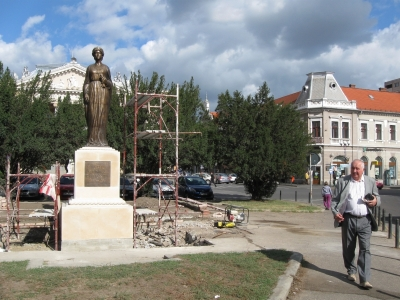 statuia Regina Maria Oradea