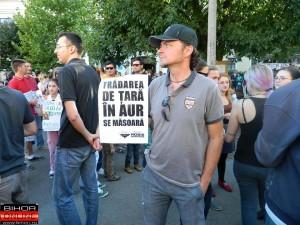 tradarea de tara - protest rosia montana oradea