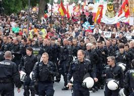 politistii germani alaturi de protestatari