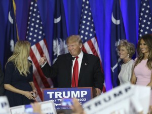 Donald Trump castiga in Carolina de Sud
