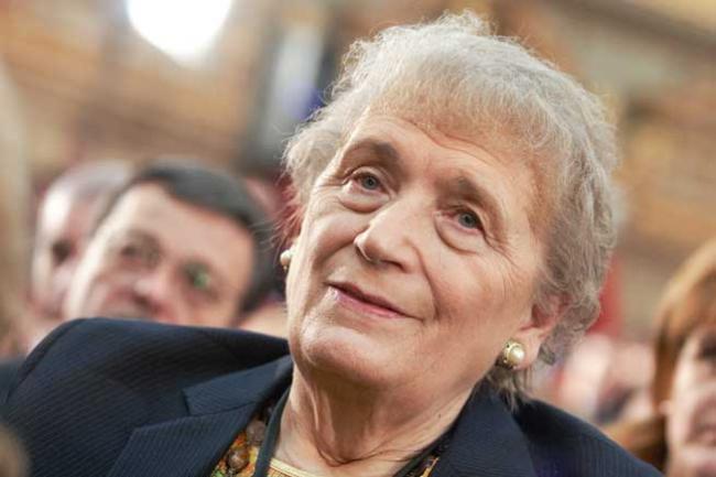 Iolanda Balas Soter