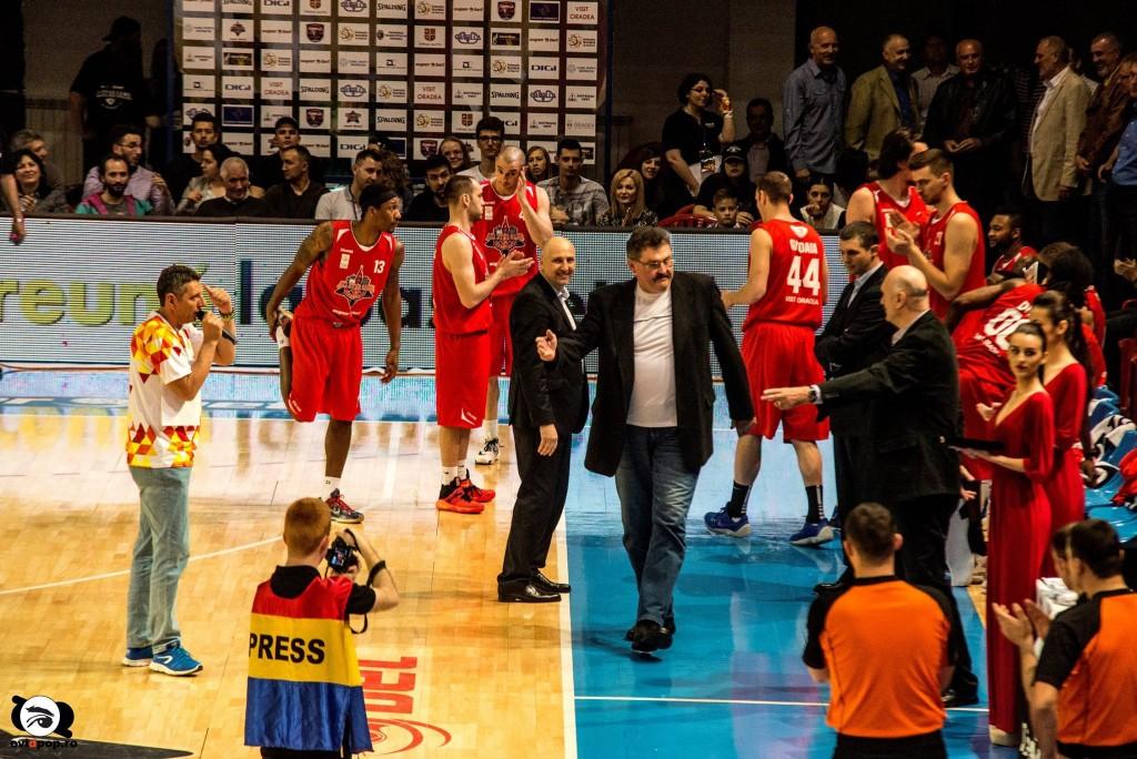 Fostele glorii ale Dinamo Oradea au fost aplaudate FOTO: OVI D. POP