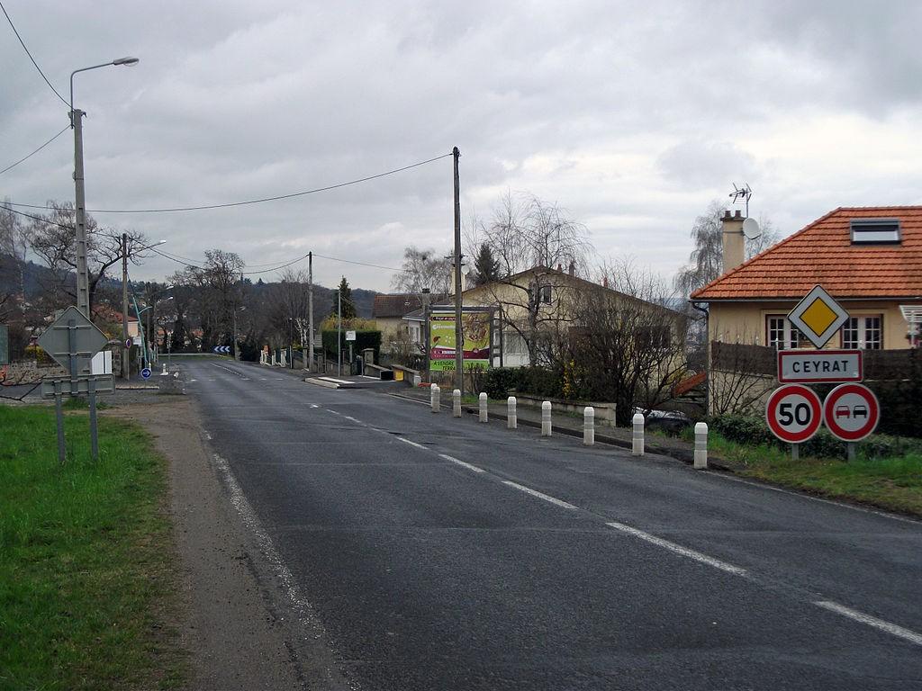 Intrarea în localitatea Ceyrat, Franţa