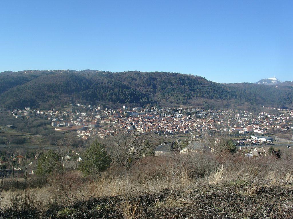 Ceyrat - o localitate cu 6.000 de locuitori, din regiunea Auvergne