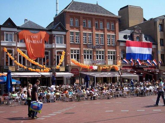 Eindhoven - o noua destinatie aeriana de la Oradea