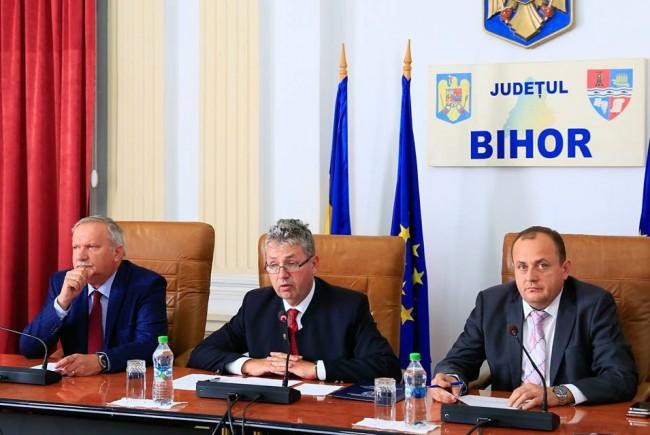 Conducerea Consiliului Judetean a trecut cu bine de un punct critic in mandatul lor - procesul prin care PNL le contesta lui Mang, Pasztor si Bodea legitimitatea Foto CJB