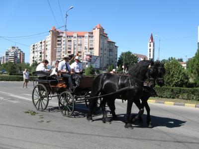 3car-traditional-maghiar
